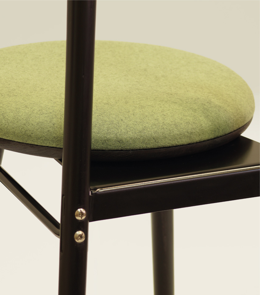 Islero dining chair detail
